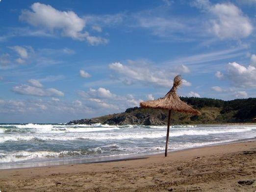 Береговая линия Болгарии омывается Черным морем