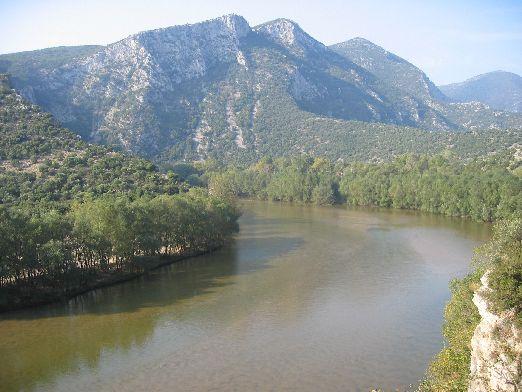 """""""Места"""" берёт свой """"пусть"""" в Рильских горах и протекает по Болгарии на протяжении 126 км"""