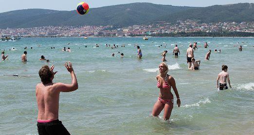 Купание и плескание на Солнечном Берегу - главное развлечение на курорте, но это далеко не все..