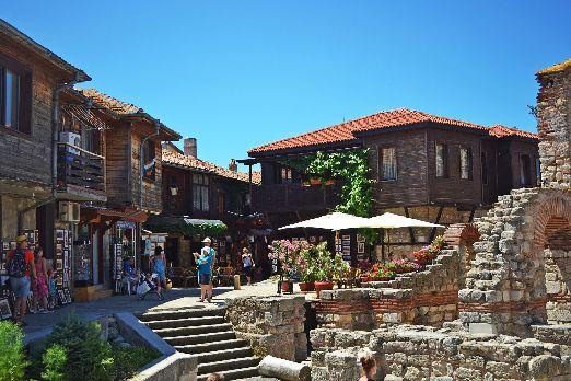 Что посмотреть и чем заняться в Несебре? Несебр это далеко не только пляж и море, это еще и интересный древний город, достопримечательности, замечательная кухня и многое другое!