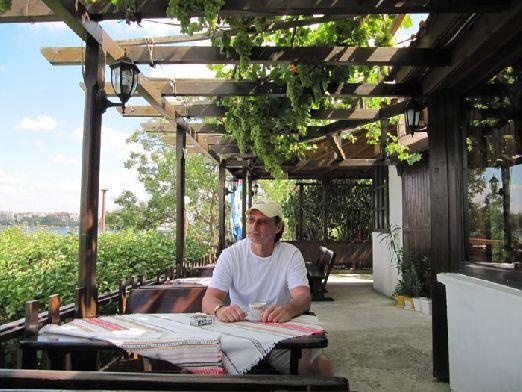 В Несебре Вы также найдете множество таверн и ресторанчиков.. есть здесь и ночные клубы