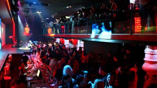 Некоторые из наиболее известных мест в Варне для ночных развлечений это Extravaganza, PR Club, Bonkers