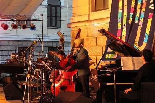 На фестивале Варенское лето играют не только в залах, но и на улице