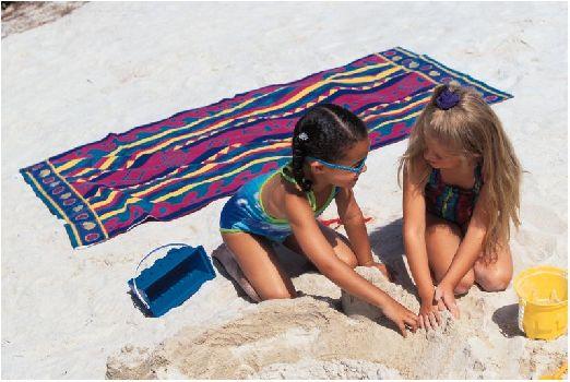 Отдыхая с детьми в Золотых Песках выбирайте отель на первой линии, потому как местность природного парка представляет из себя горные террасы